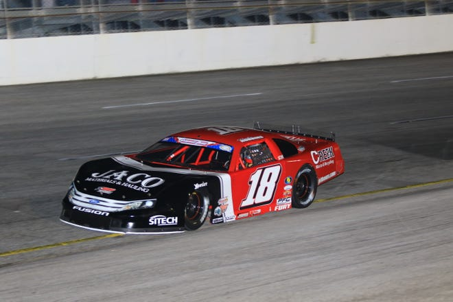 Hunter Robbins is looking for victory on Friday night at Five Flags Speedway, driving for Ronnie Sanders and his legendary No. 18 Super Late Model.