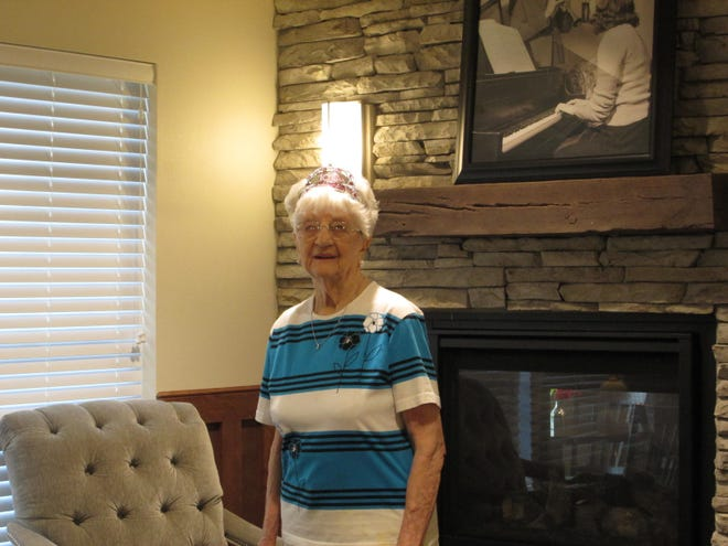 Velma Chestnut celebrates her 100th birthday at Vintage Cooperative, Ankeny.