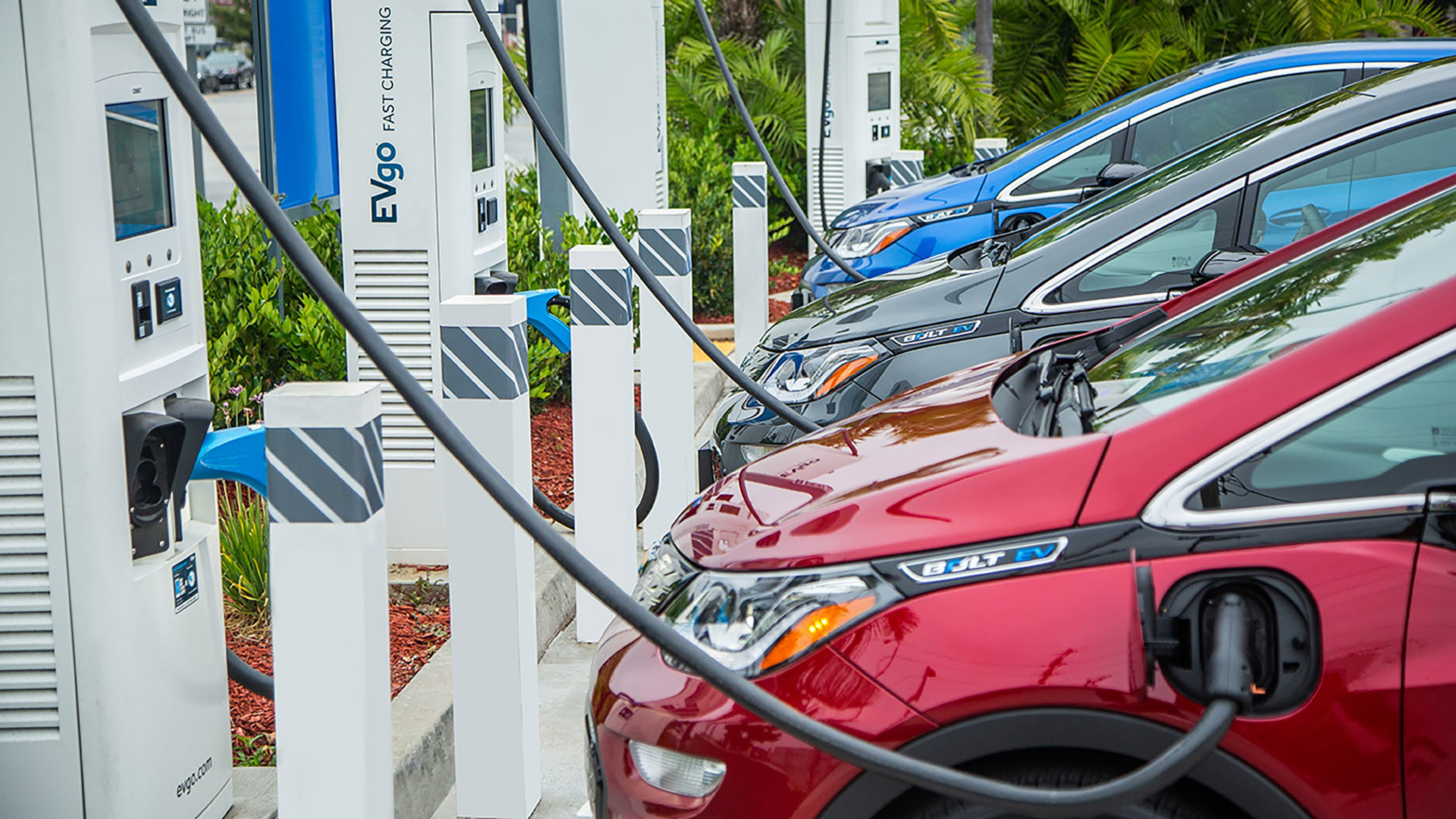 GM hopes to eliminate gas vehicles in favor of all-electric vehicle lineup by 2040