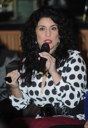 Para Karina, las amenazas de muerte que recibió de un fan de Bad Bunny, son el resultado de del lenguaje violento que utiliza el rapero puertorriqueño en sus canciones.
