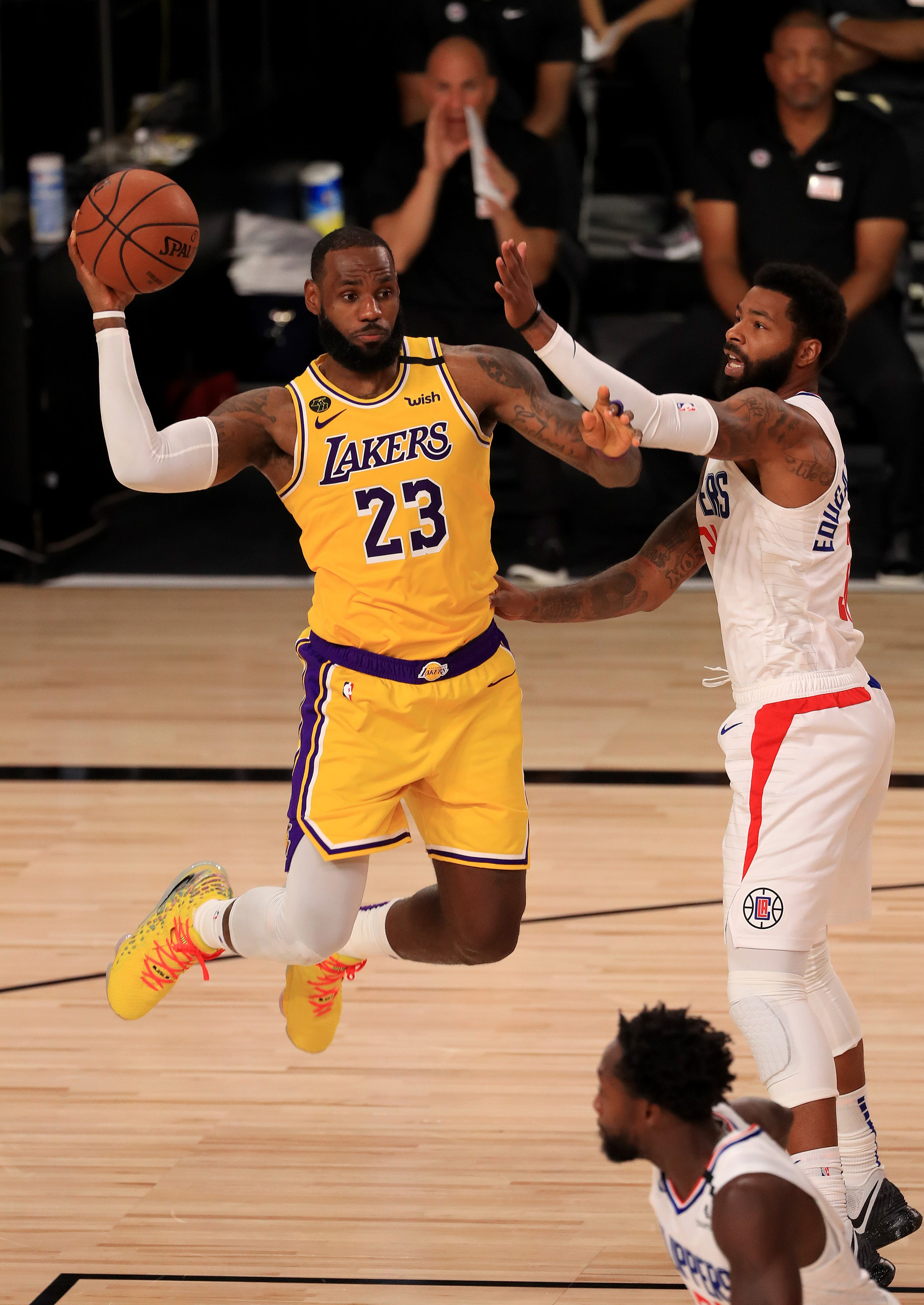 Opinion: Lakers-Clippers game shows grind-it-out mentality will likely determine NBA champion