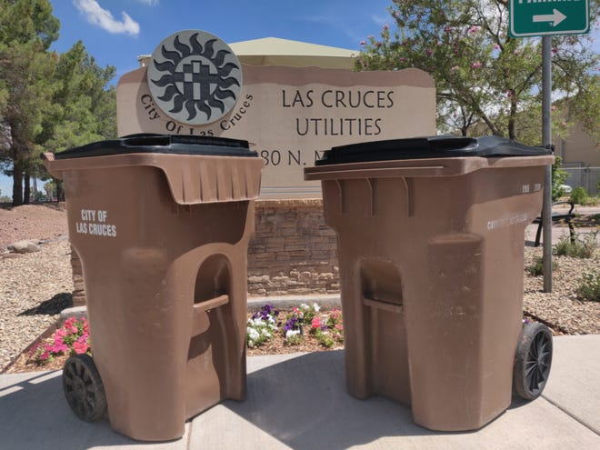 Consider switching to a 64-gallon (left) from a 96-gallon (right) Las Cruces Utilities Solid Waste container to keep your bill at the same rate — and keep your trash waste down.