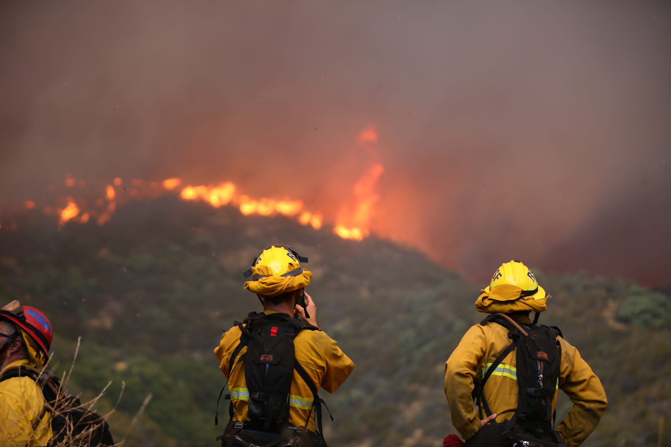 Apple Fire grows in Southern California: 7,800 ordered to evacuate; 0% contained