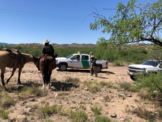 U.S. Border Patrolagents in southern Arizona on Thursdayraideda camp used by the border humanitarian aid group No More Deaths, arresting at least one migrantand settingup surveillance around the area.