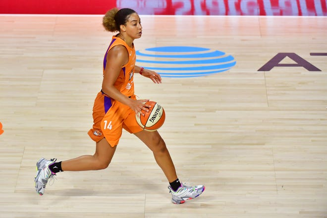 Bria Hartley #14 of the Phoenix Mercury dribbles the ball during the first half of a game against the New York Liberty at Feld Entertainment Center on August 02, 2020 in Palmetto, Florida.