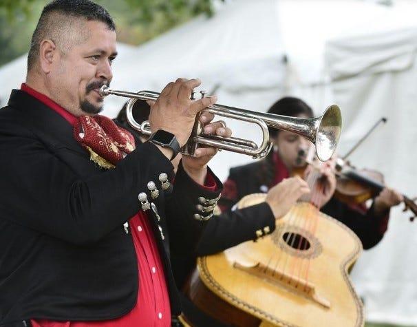 Ο Fernando Gonzalez του Spartanburg εμφανίζεται κατά τη διάρκεια του Διεθνούς Φεστιβάλ του 2019.