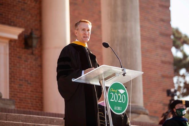 U.S. Senator James Lankford delivers the address to graduates.