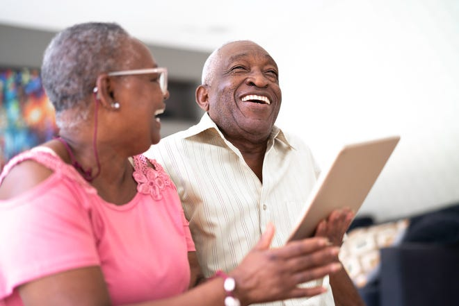 Teach tech to seniors with 5 useful tips.