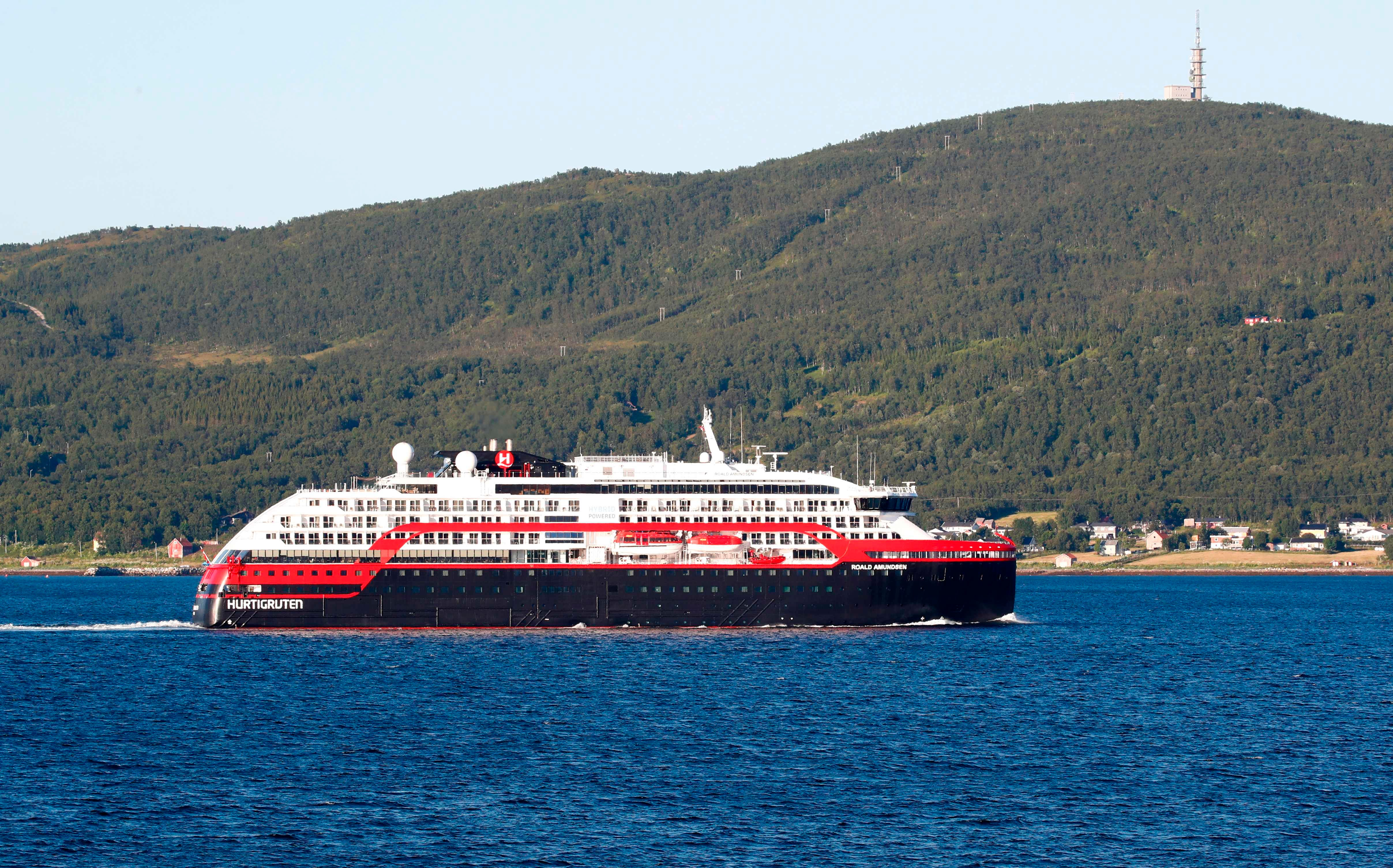 There has been a failure : 40 passengers, crew infected with COVID-19 in Hurtigruten outbreak