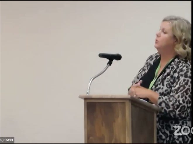 Mendy Spohn, regional administrator for the Oklahoma Department of Health, addresses the Ardmore City Commission about COVID-19 during their meeting Monday evening.