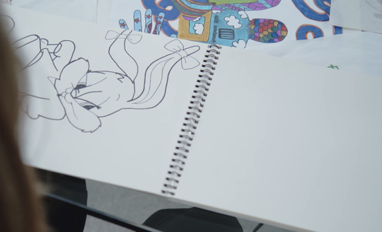 Bianca Iacopelli became interested in art after watching her mother, Kristine Iacopelli, sketch. Kristine was particularly fond of sketching exact replicas of cartoon characters.