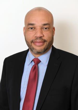 Dennis Vega, M.D., FACS, fellowship-trained thoracic surgeon