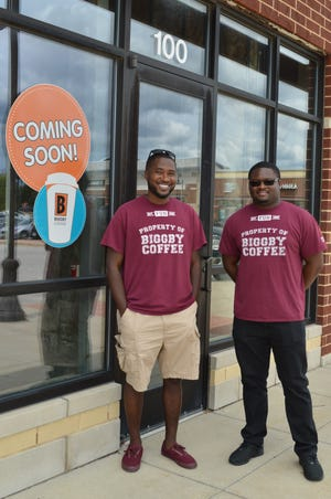 Milwaukee natives Keith Washington and Curtis Grace are opening a Biggby Coffee in Franklin this fall.