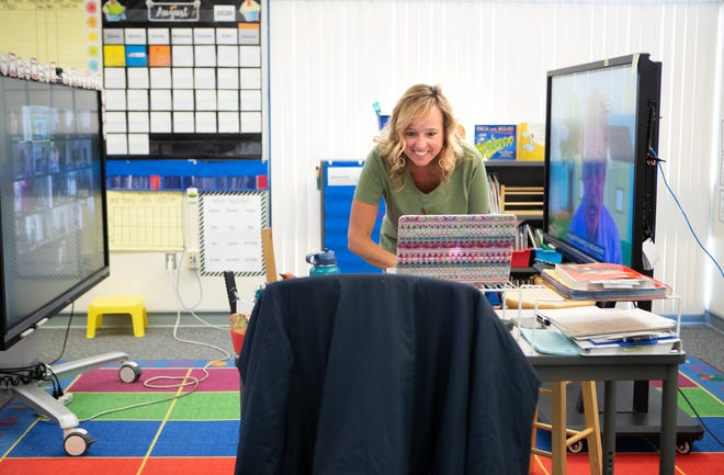 Landau Elementary School first-grade teacher Missy Costello gives live instruction during Palm Springs Unified School Districts' first day of distance learning in Cathedral City, Calif., on Wednesday, August 5, 2020.