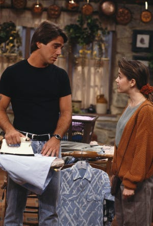 Who S The Boss Sequel With Tony Danza Alyssa Milano In Development