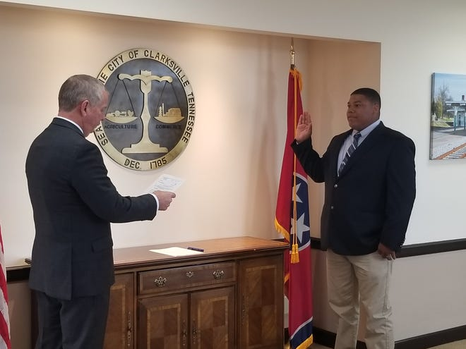 Mayor Joe Pitts administered the oath of office to Donta Daniel at the Mayor's Office.