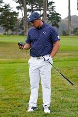 Bryson DeChambeau snaps driver at 2020 PGA Championship