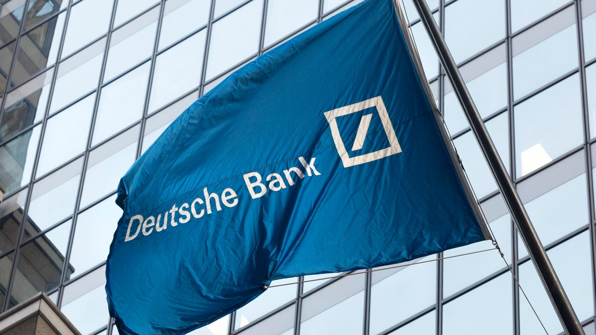 Deutsche Bank to pay $100 million to avoid bribery charge 1