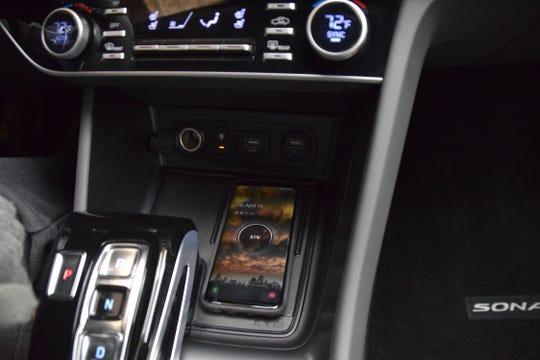 Wireless charging pad in Hyundai Sonata