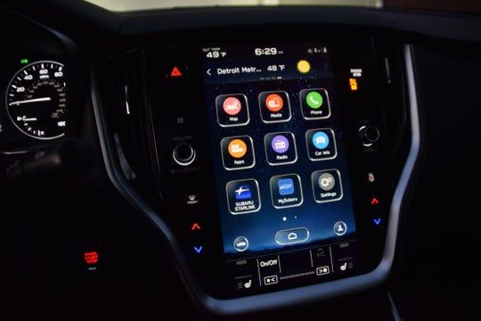 Subaru Legacy center screen closeup