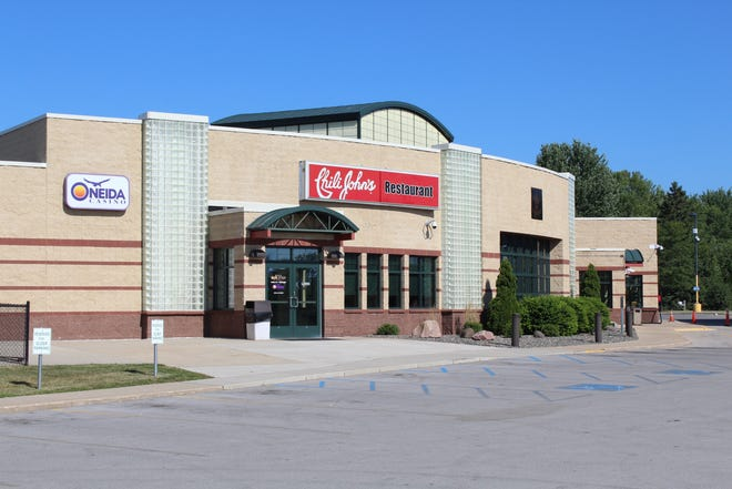 A judge has ordered Chili John's, 3120 Packerland Drive, in Ashwaubenon, to temporarily stop using the name and secret meat sauce while a breach of contract lawsuit moves forward.