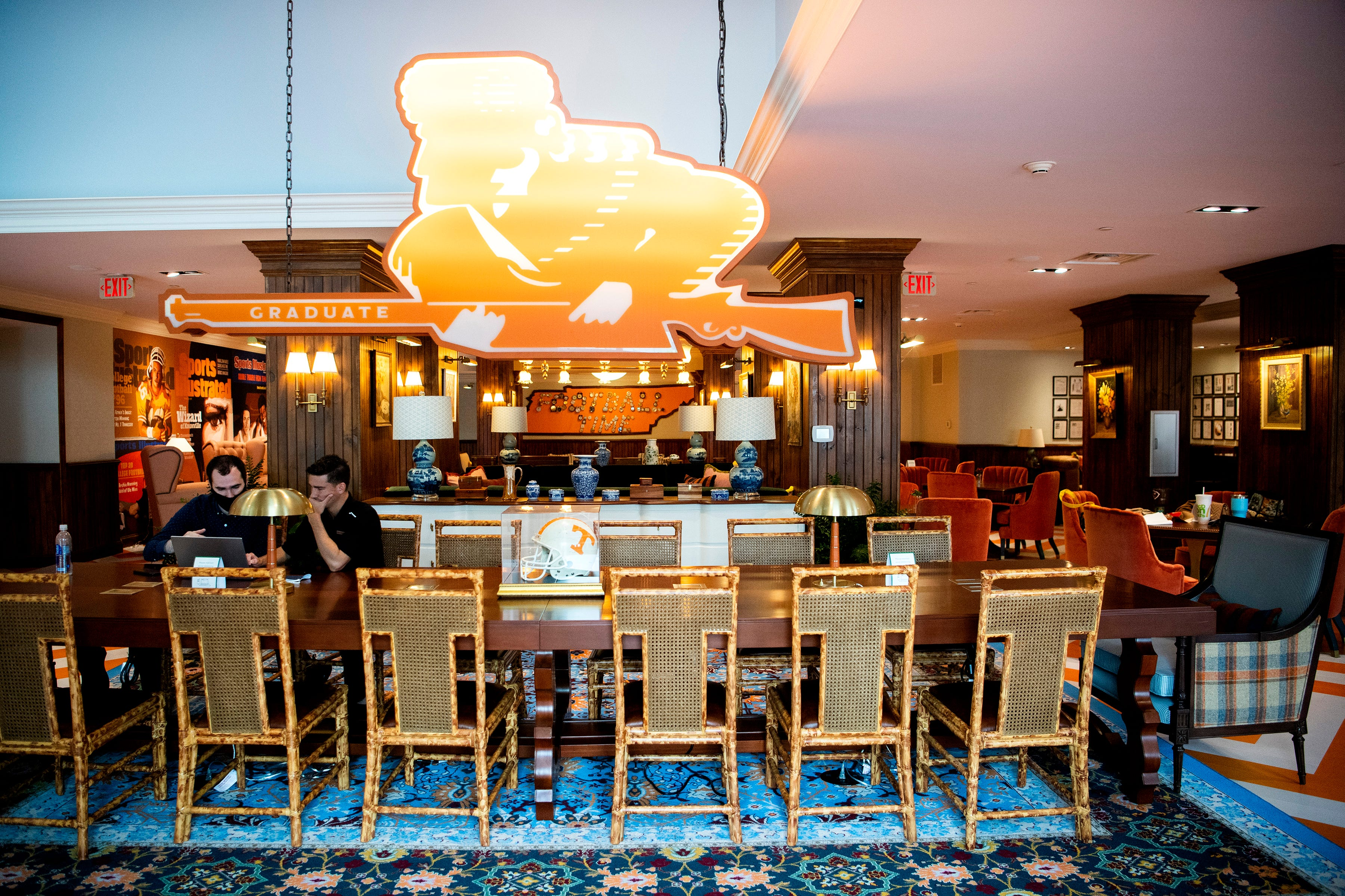 Graduate Hotel Knoxville Opens With Peyton Manning S Saloon 16