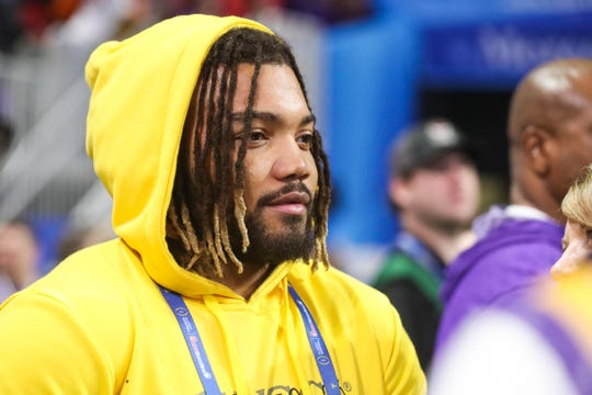 Washington running back Derrius Guice before the 2019 Peach Bowl college football playoff semifinal game between the LSU Tigers and the Oklahoma Sooners at Mercedes-Benz Stadium.