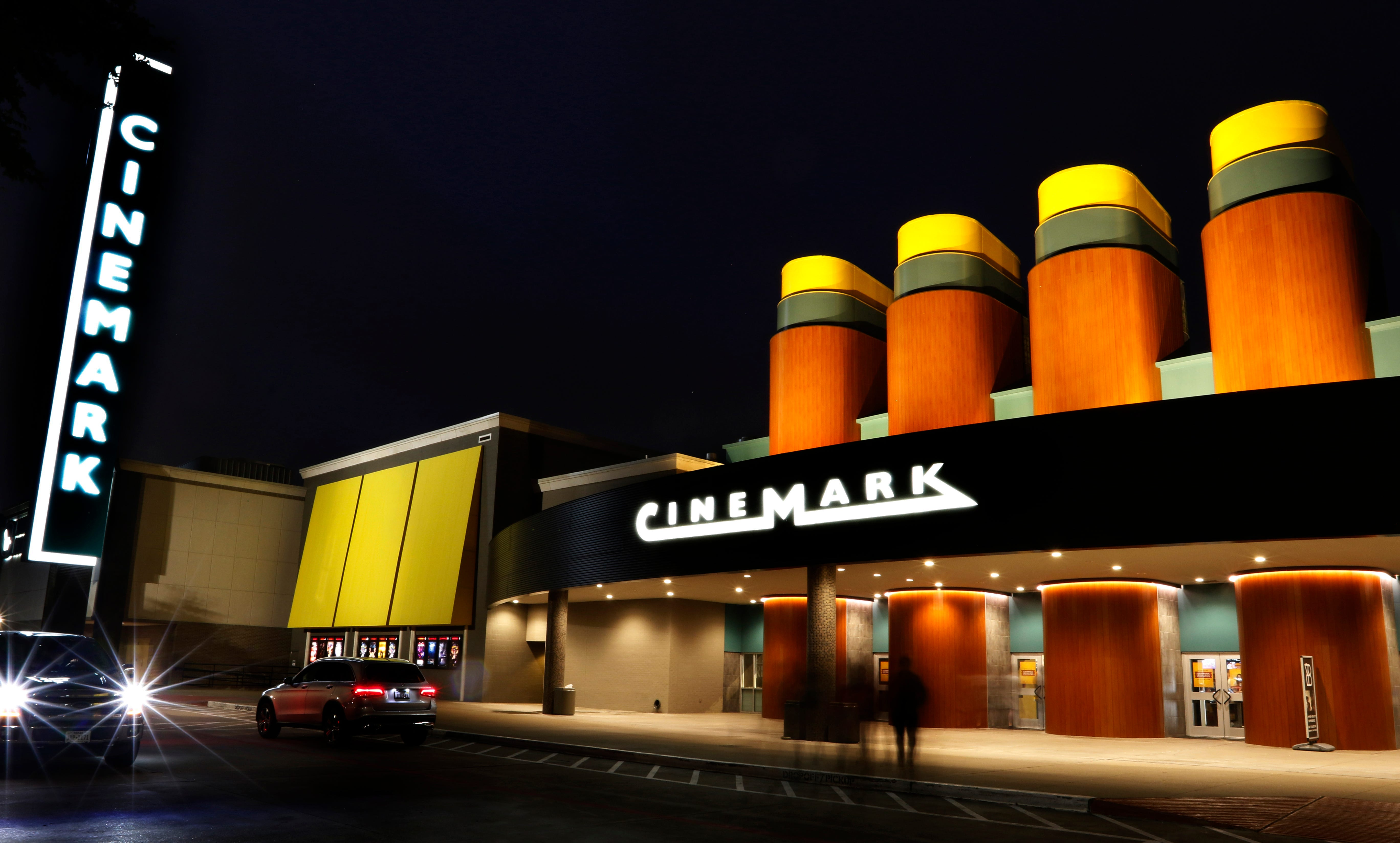 Cinemark Tinseltown, Regal movie theaters reopening in Jacksonville