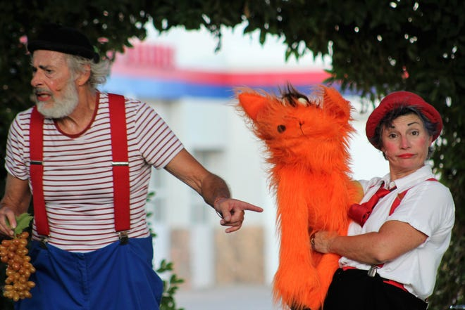 Slappy brought a fuzzy friend on stage, and helped the orange critter get the grapes from Monday ... on Friday, at Adamson-Spalding Storybook Garden. Aug 7 2020