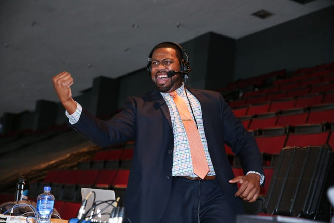 Dream Come True Detroit S Everett Fitzhugh First Black Nhl Team Broadcaster