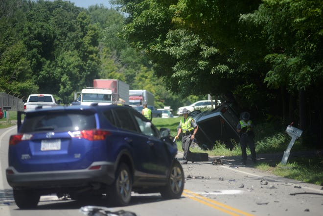 At least two cars were involved in a crash Sunday afternoon that closed a portion of Ohio 314.