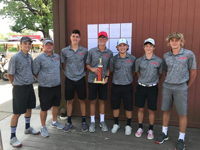 Bucyrus finished second at the Bucyrus Elks Invitational on Monday at The Golf Club of Bucyrus.