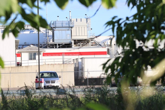 Gerber's Poultry chicken processing plant in Kidron had 17 cases of the coronavirus and one death linked to an outbreak at the Wayne County facility.