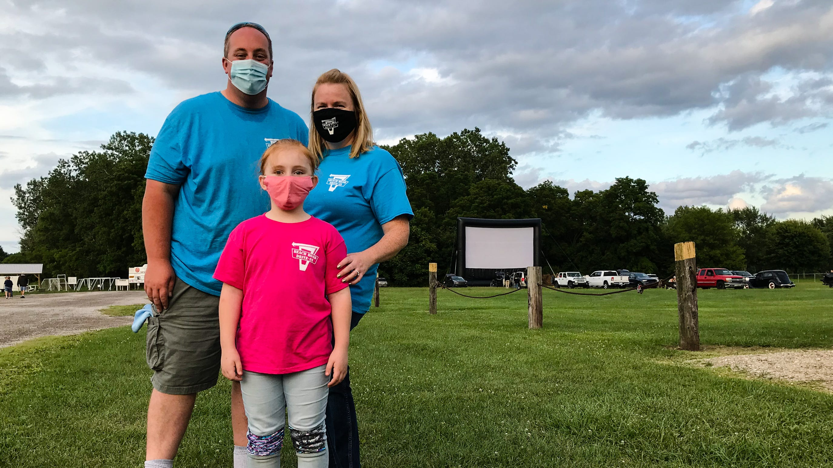 Fort Gratiot family puts on drive-in movies at Port Huron ...
