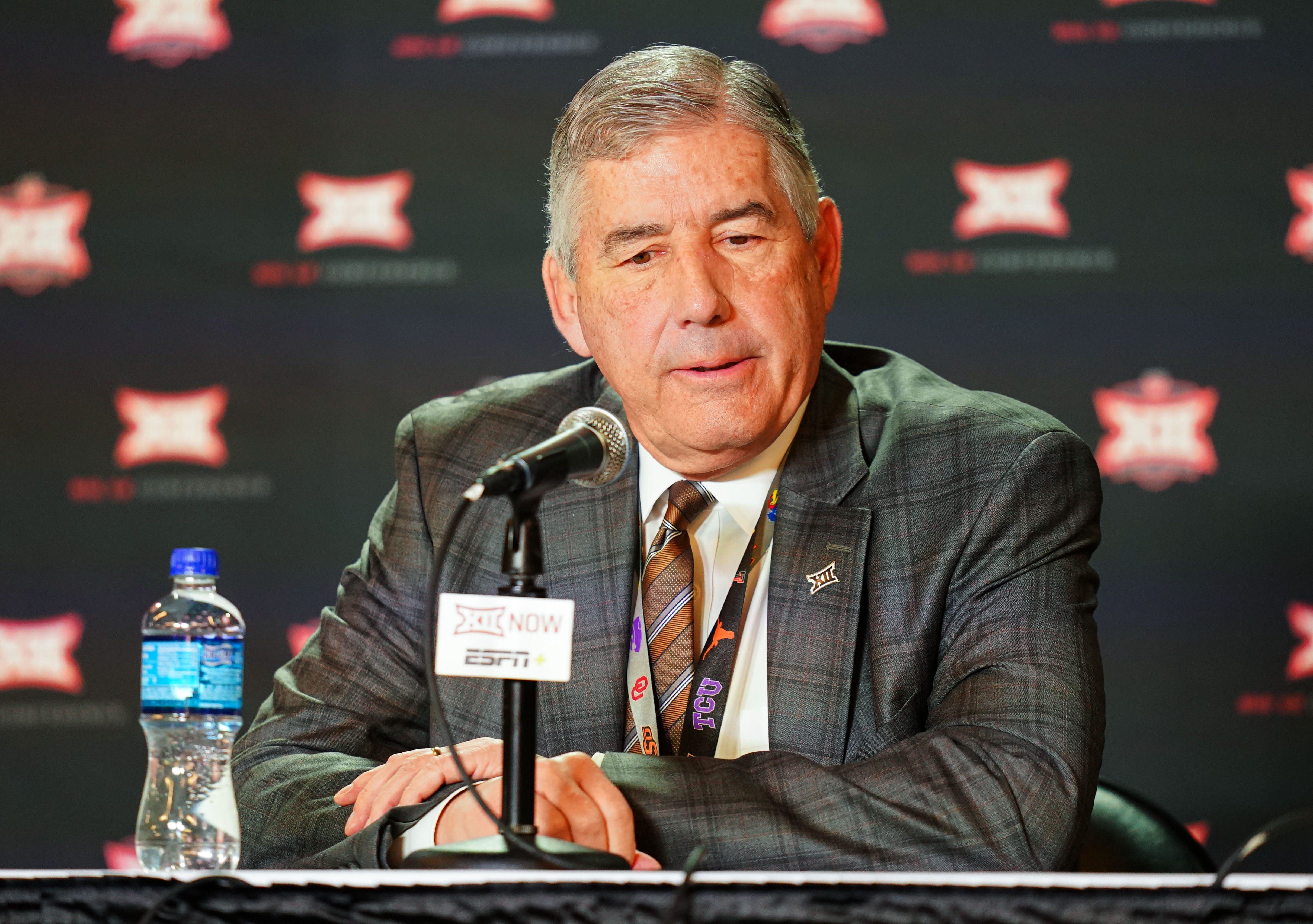 Big 12 commissioner Bob Bowlsby says conference has made no decision on fall football season yet