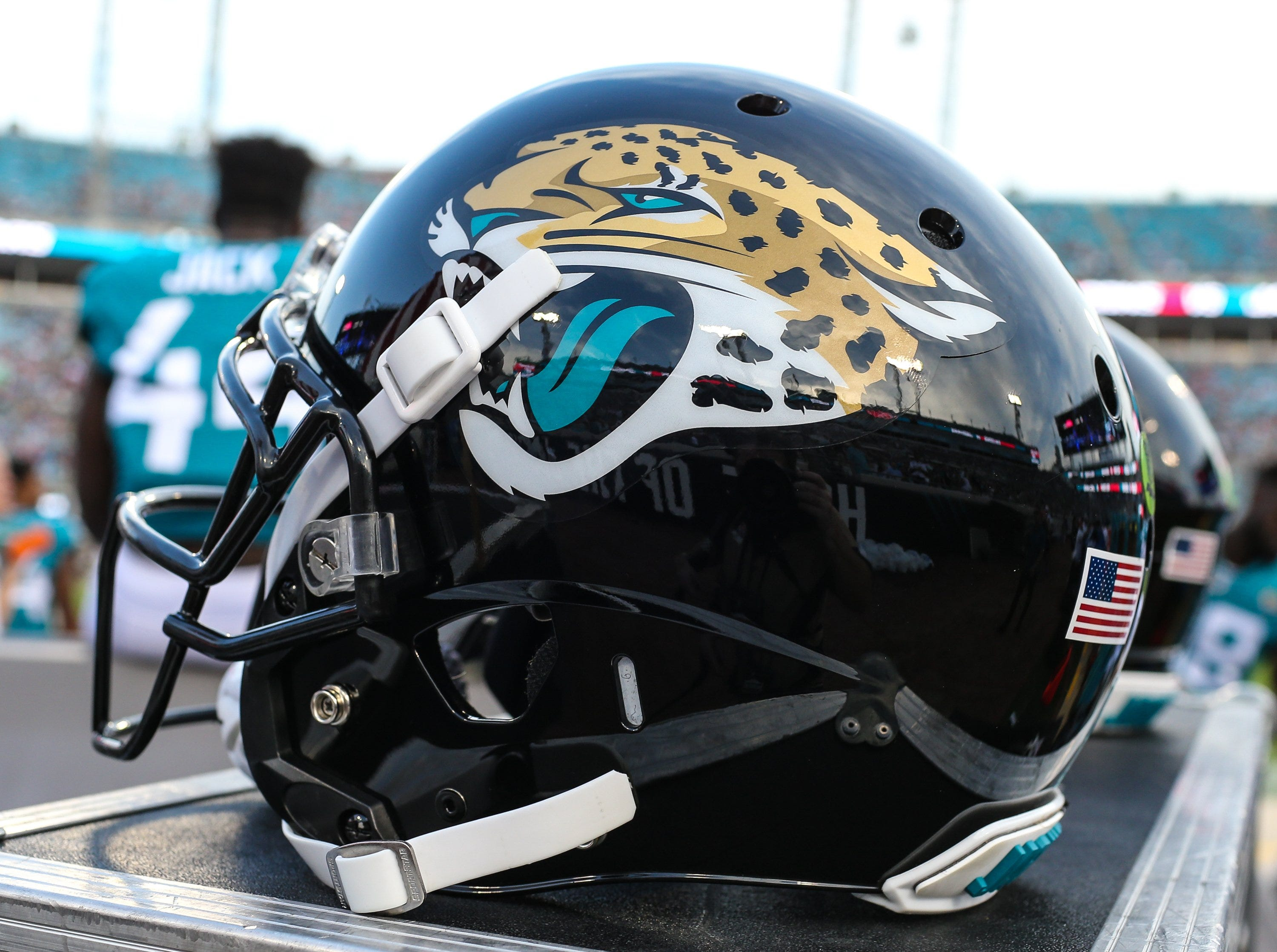 Jaguars shut down team facility, work remotely after practice squad player tests positive for COVID-19