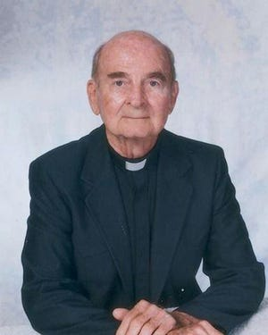 Monsignor George W. Cummings, who founded Epiphany Cathedral Catholic School, St. Raphael Parish in Englewood and San Pedro Parish in North Port while serving for 20 years as Pastor of Epiphany Parish (Cathedral) in Venice died Aug. 8, 2020, in Brooksville at the age of 102.
