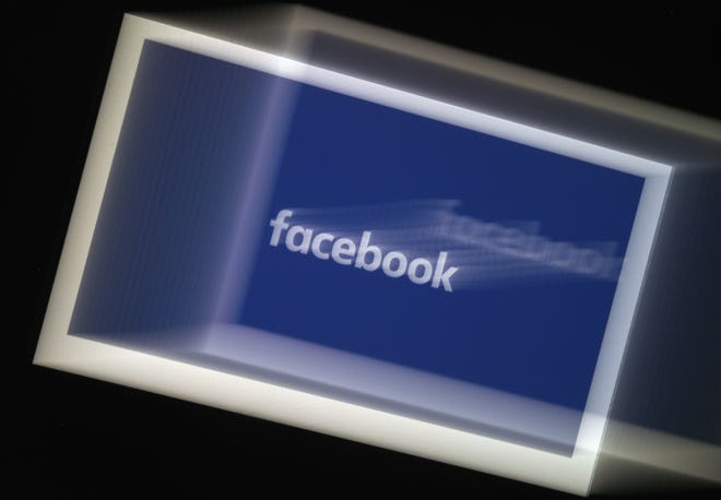 A Facebook App logo is displayed on a smartphone