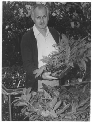 Calaway (Cal) Dodson served for 10 years as the first executive director of Marie Selby Botanical Gardens from 1973 to 1983. He died Sunday at age 91