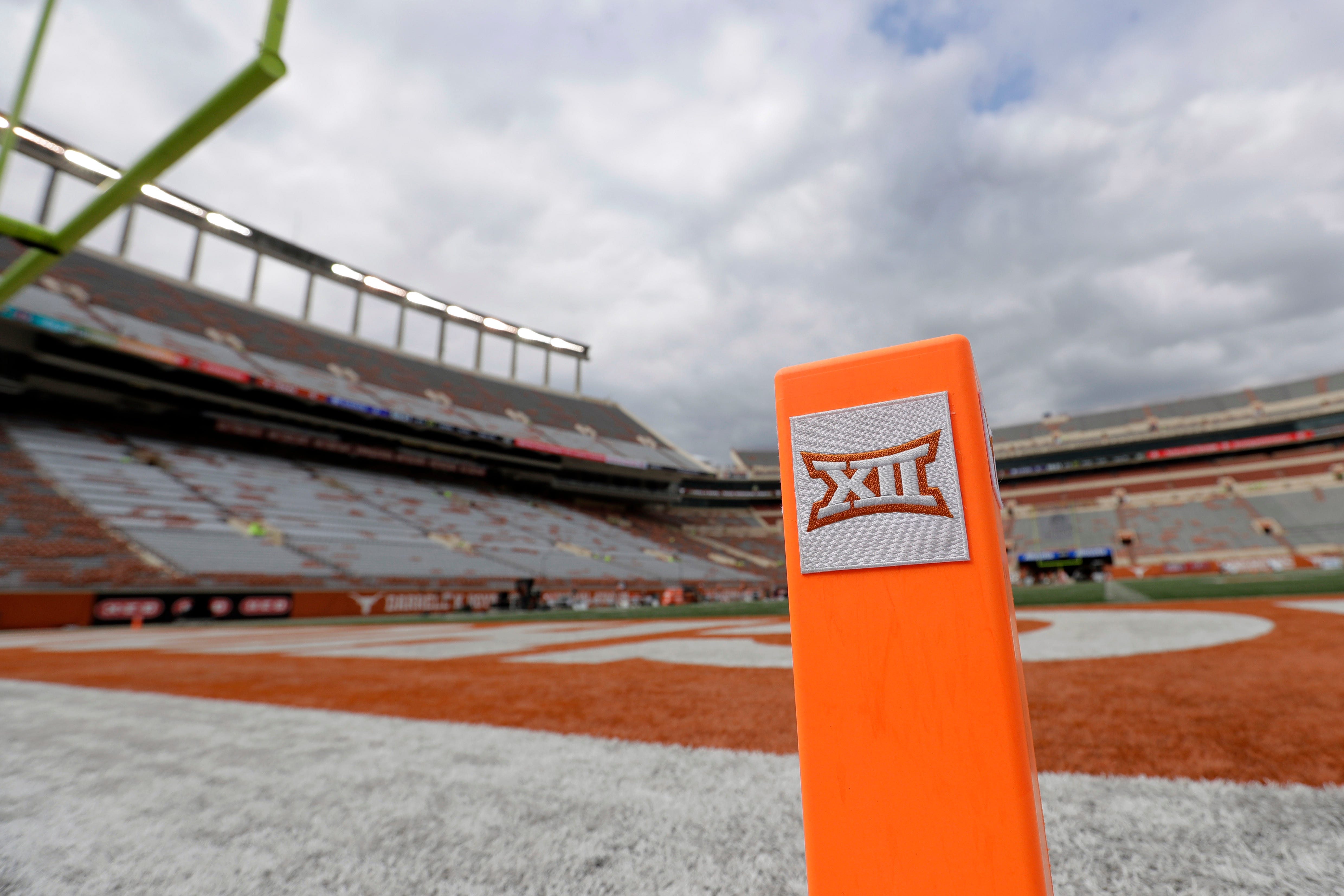 Big 12 presidents take no action toward canceling season during Tuesday's meeting; 10-game schedule could be released
