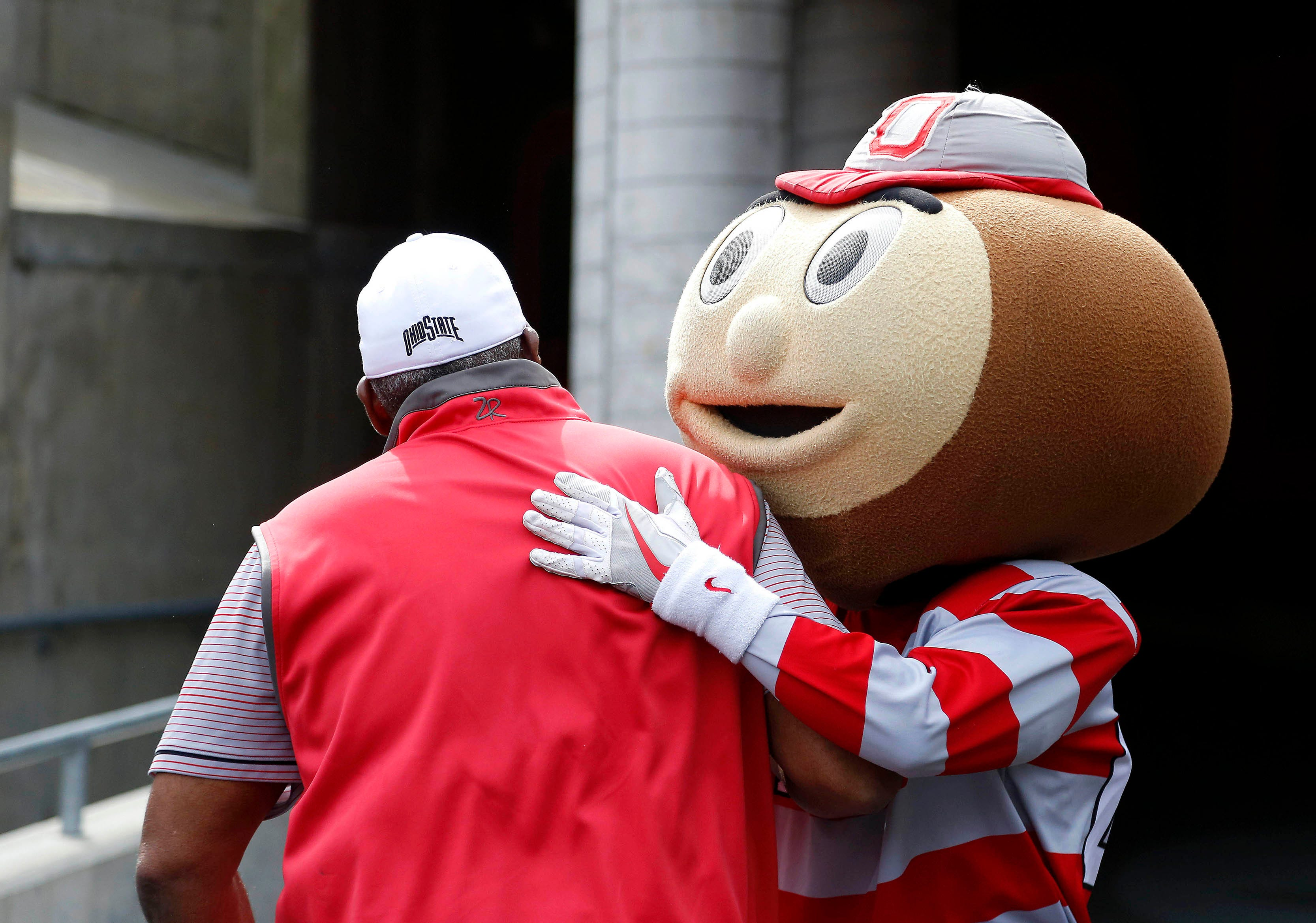 Ohio State AD Gene Smith says school will not try to play football this fall