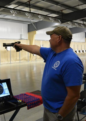 Guests of the air range can participate in air rifle or air pistol practice or leisurely competition.