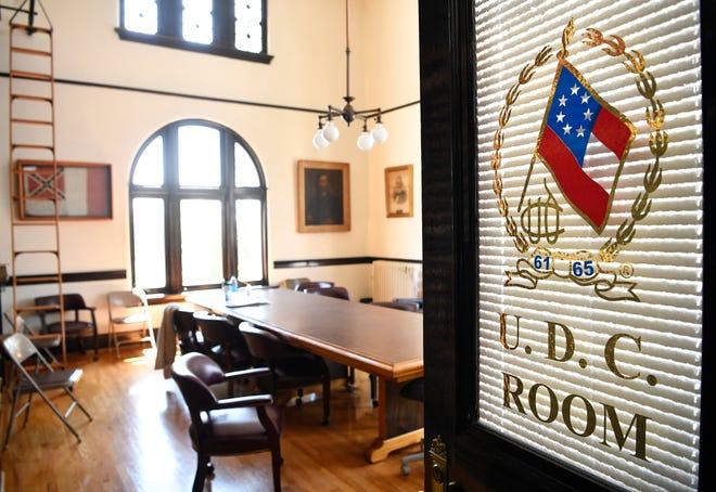 Black Man Says Confederate Memorabilia, Giles County Furniture