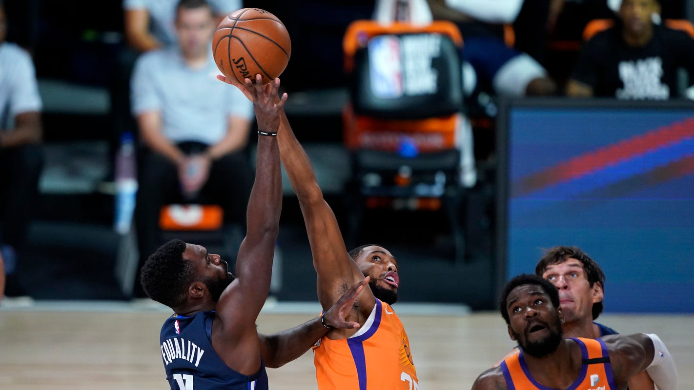 Phoenix Suns beat Mavericks to go 8-0 in NBA seeding games, await play-in tournament fate