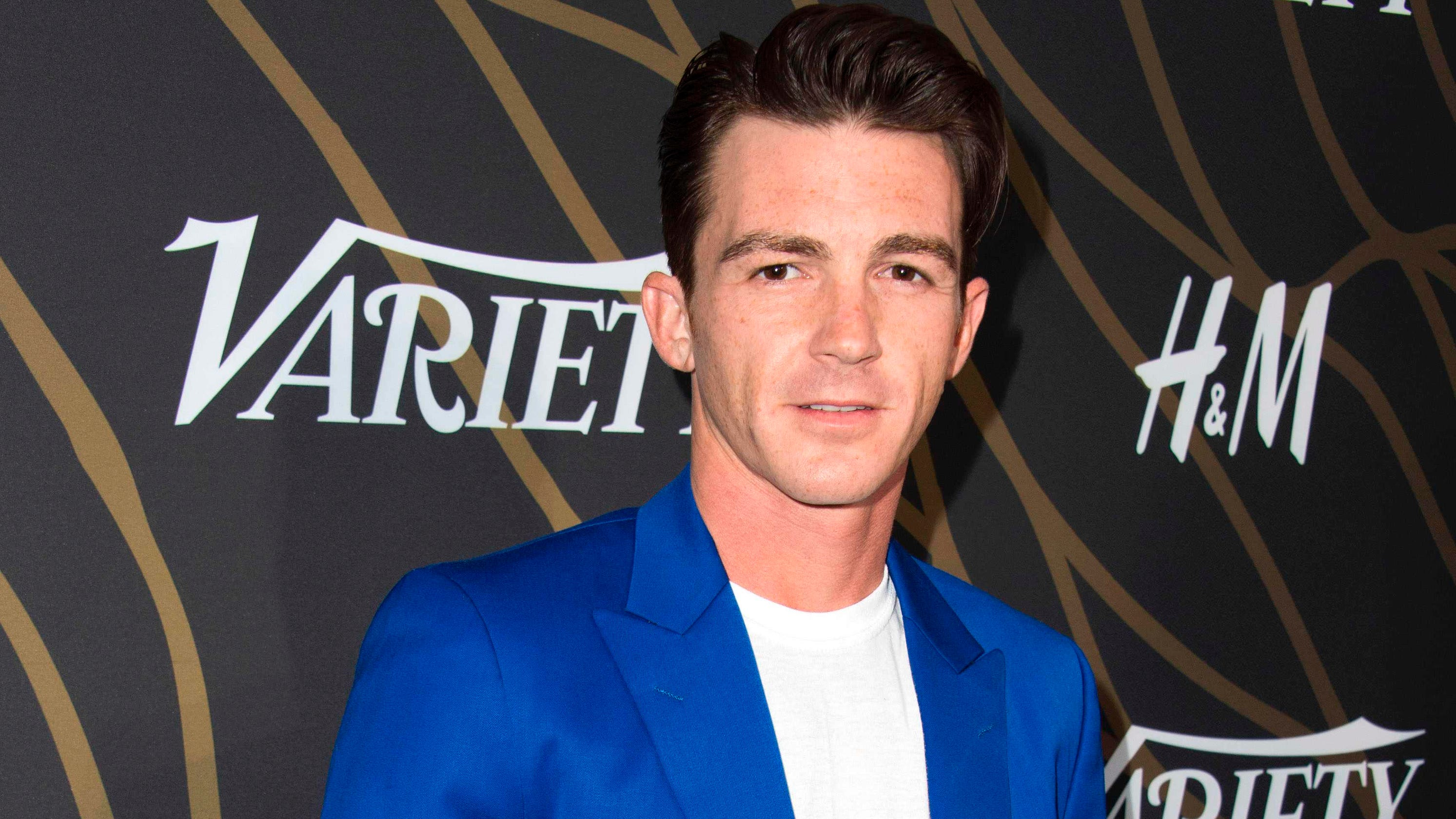 Drake Bell denies abuse allegations from ex-girlfriend: 'I am reviewing my legal options' - USA TODAY