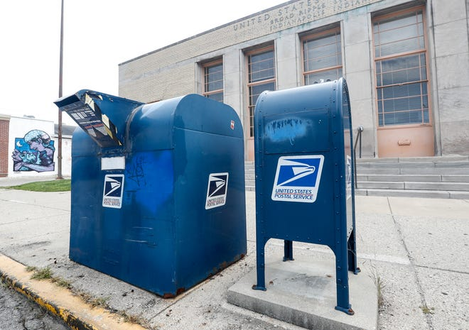 The United States Post Office, Broad Ripple Station, 6255 Carrollton Ave., Indianapolis, on Friday, Aug. 14, 2020.