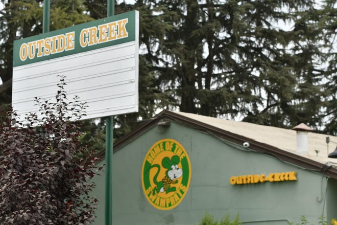 Outside Creek Elementary School resumed in-person instruction on Thursday, appearing to defy state and local health orders requiring Tulare County schools to stay close amid a coronavirus surge.