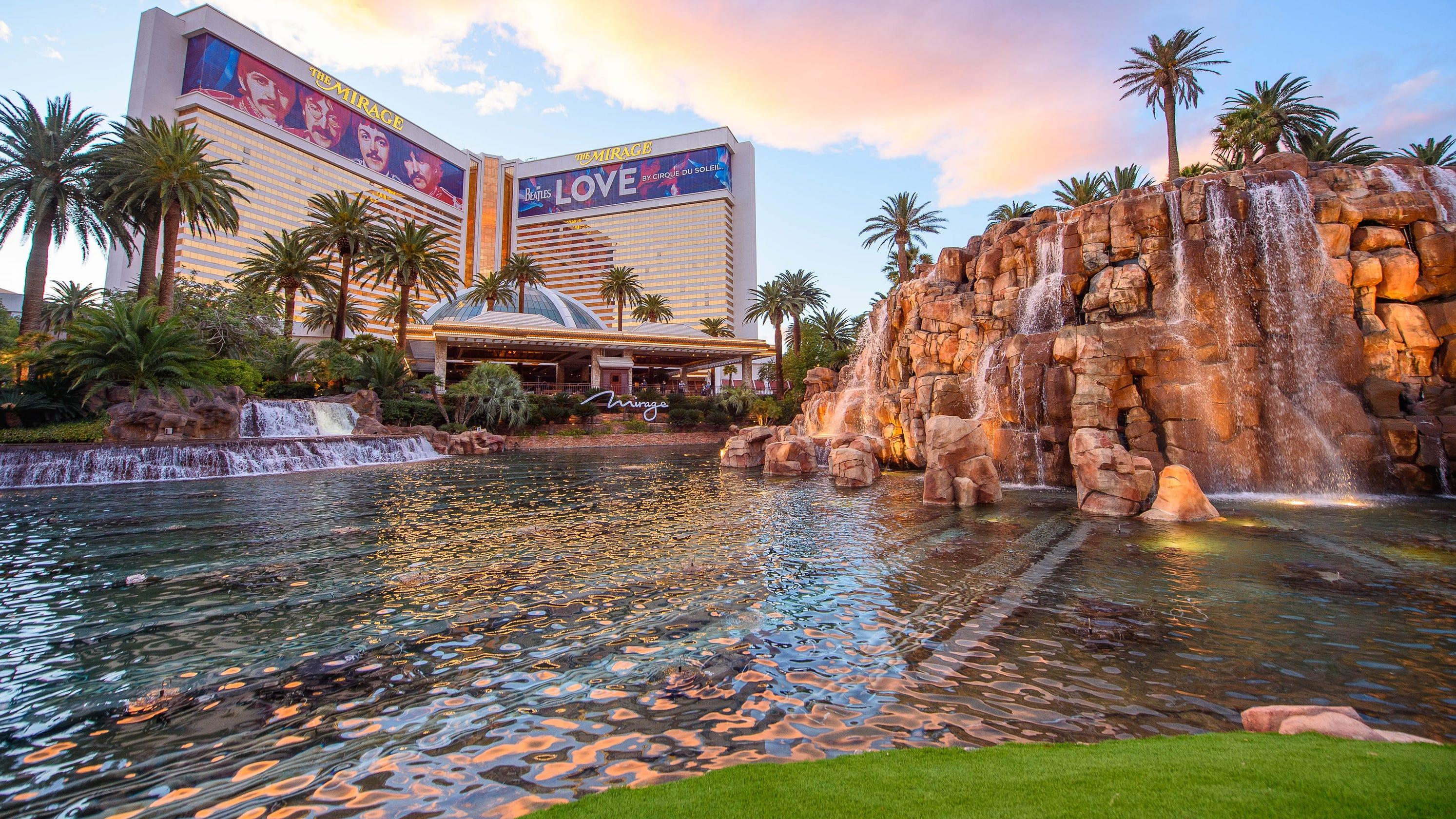 MGM Resorts to close Mirage, Mandalay Bay hotels midweek due to COVID-19 travel slump