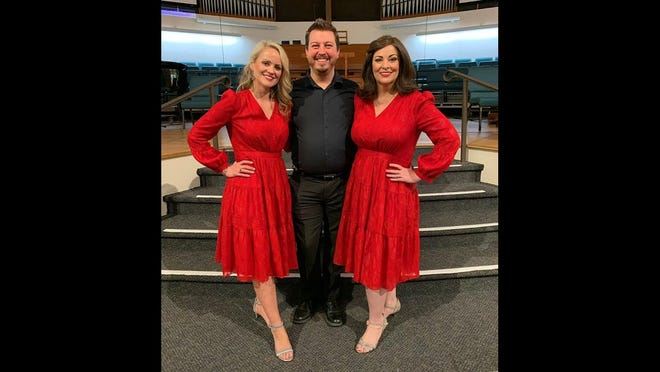 """From left, Johanna Fincher, Michael Stewart and Robyn Rocklein perform in the Artist Series Concerts program """"Siren Song."""""""