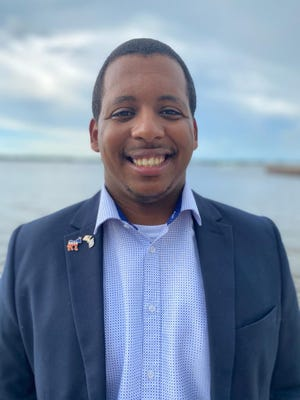 Democratic leaders picked Anthony Eldon to replace a candidate who dropped out of the race for state Senate District 21, which includes Manatee County and part of Hillsborough County.